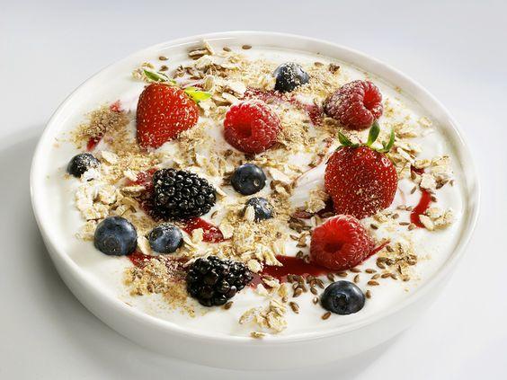 Müsli-Joghurt - smarter - Zeit: 15 Min. | eatsmarter.de