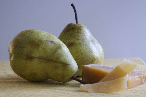 #8: Seared Pear, Farro, Walnuts, Aged Gouda