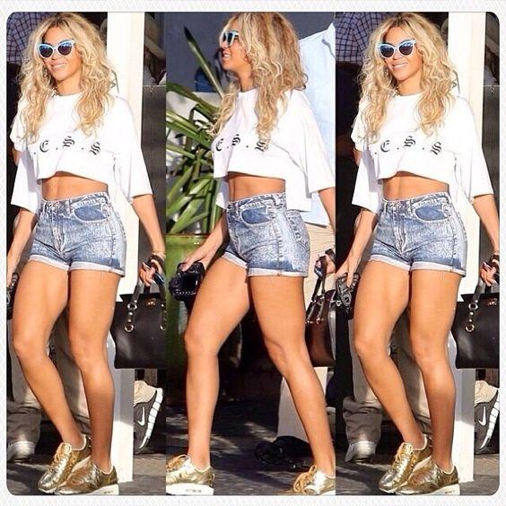 Beyonce, Beyonce photos and Small waist on Pinterest