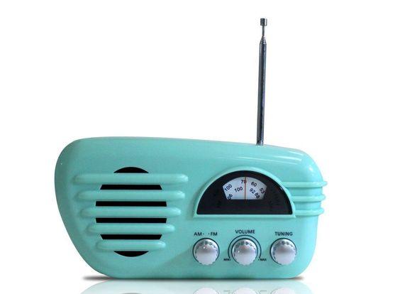 Rádio Retrô Portátil Am/Fm! - Verde  http://loja.fulanaguacu.com.br