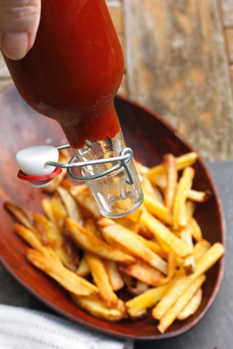 Classic Tomato Ketchup - canning recipe, must try, would rather my ingredients than pre-made,  even if its still unhealthy