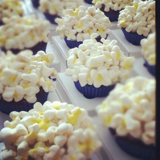 cupcakes de pipoca! @cakeonthetable
