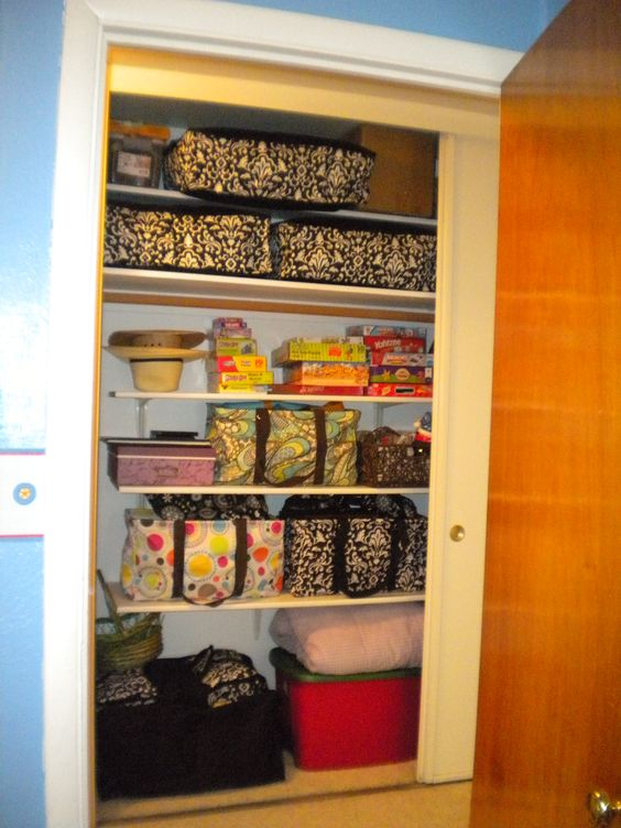 Thirty-One products: closet