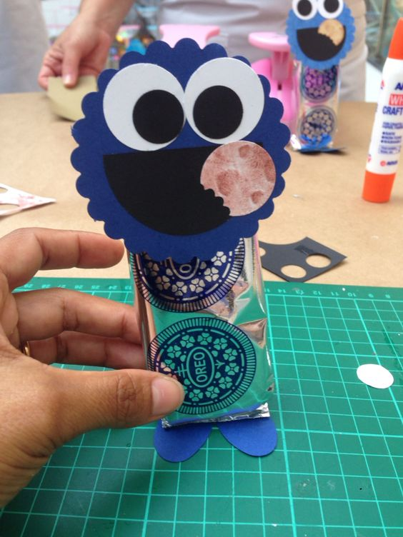 Cookie_Monster   using deferent punching and Oreo small package