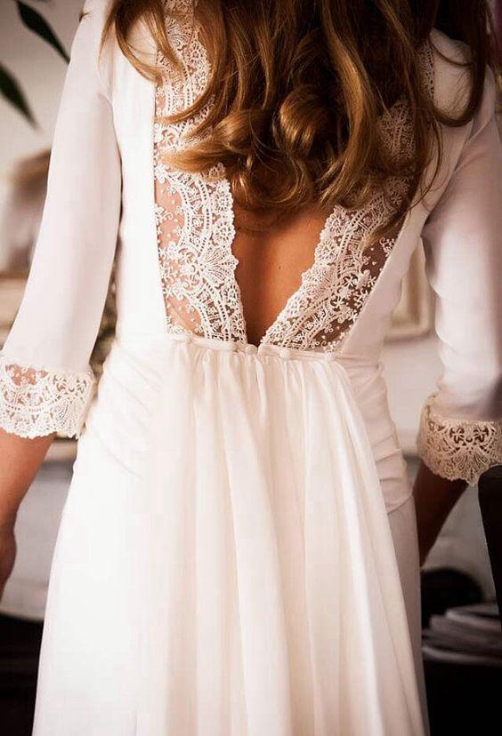 Preciosas mangas y precioso escote en la espalda. De The Dark Queen Boutique. #vestidos #novia
