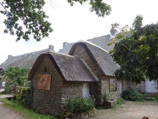 Chaumière Brièronne, Brière Bretagne France, French bog, French house