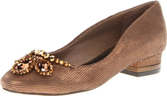 Amazon.com: Menbur Women's Pheene Flat: Shoes  So Renaissance-looking!