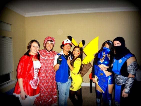 Street Fighter Halloween Costumes ryu ken chun li just dont dragon punch anyone in the street please Couples Costumes Pokemon Red Riding Hood Street Fighter