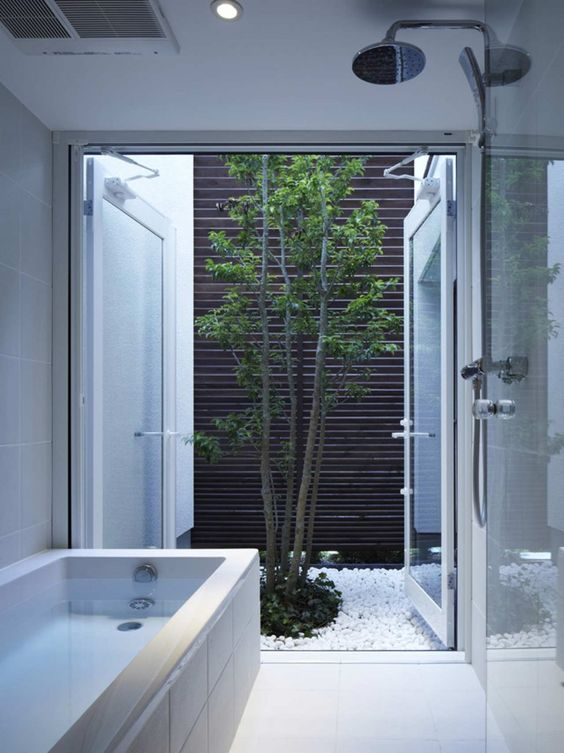 mini patio, hermoso bathroom