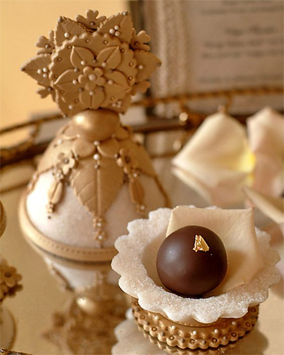 Look Inside...Gorgeous!/ favors