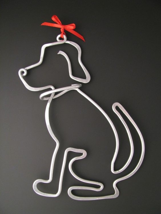 Wire dogs and shape on pinterest for Dog wire art