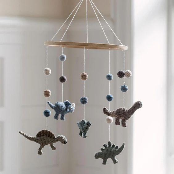 Papel de parede decoraçao quarto dinossauro mobile de crochet tema dinossauro