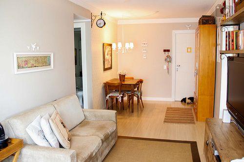Bistrôzinho, sala de TV e Jolie dormindo perto da porta, hehe.   Flickr – Compartilhamento de fotos!