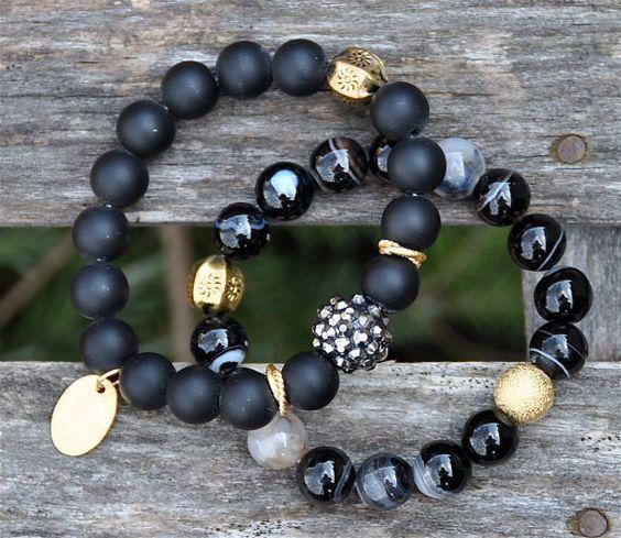 Espectacular negro piedras preciosas Pulseras de por BeadRustic