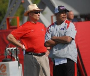April 30, 2012    Hines Ward on coaching one day at UGA, being a `magnet' for recruits and what `irks' him    http://bleacherreport.com/tb/bgtgL?utm_source=newsletter_medium=newsletter_campaign=georgia-bulldogs-football