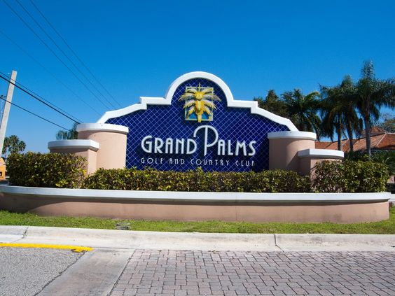 Grand Palms Golf Course, used to live in this community!