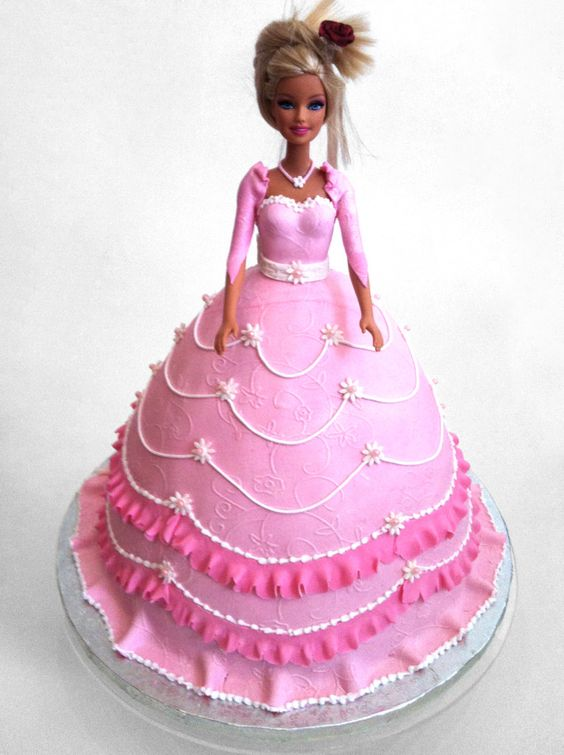 motivtorte rosa prinzessin torte f r m dchen mit r schen aus buttercreme pink doll cake with. Black Bedroom Furniture Sets. Home Design Ideas
