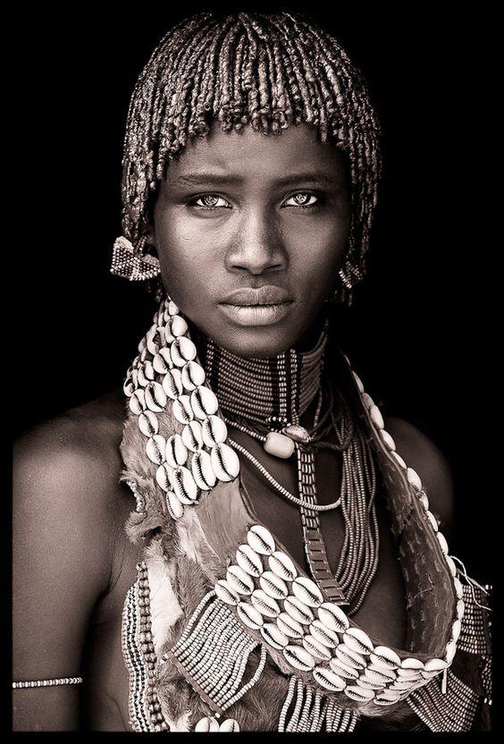 """Beautiful Woman of the Mumuhuila Tribe of Angola #portrait #photography"""