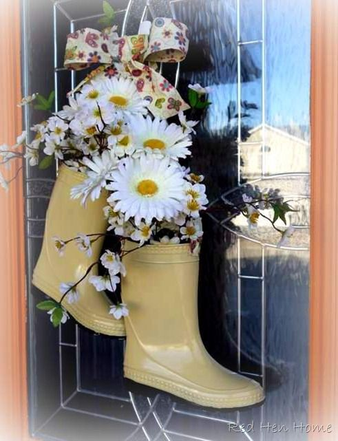 Please leave your boots at the door. #mesadedoces #shopfesta