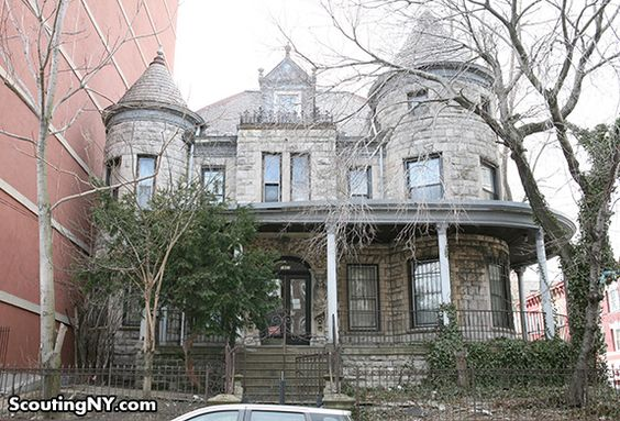 Photo of a haunted mansion by nycscout, via Flickr.    This blog is Scouting NY, and it's my new favourite location blog. It contains a multitude of interesting photo stories about New York and its environs. I spent hours just reading through. Really worth a read and revisiting!