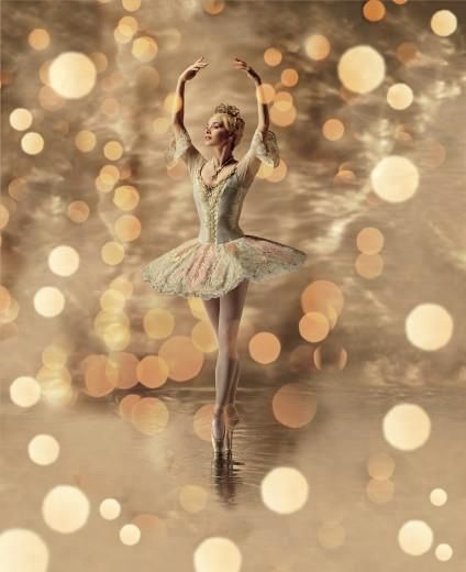 Darcey Bussell in the Royal Ballet's publicity photo for the Nutcracker