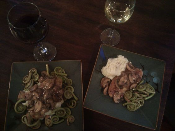 Chik'n Marsala, Garlic Mashed Potatoes and Fiddlehead Ferns 4 Quorn ...