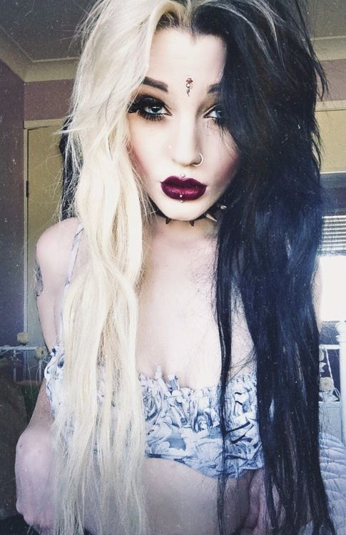 Half blonde white, halfblack long hair. Witch house. Pastel goth. Dark lips.: