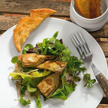 Artischocken auf Wildkräutersalat mit Pecorino