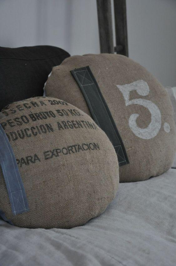 coussins en toile de jute coussins pinterest chang 39 e 3 toile and home. Black Bedroom Furniture Sets. Home Design Ideas