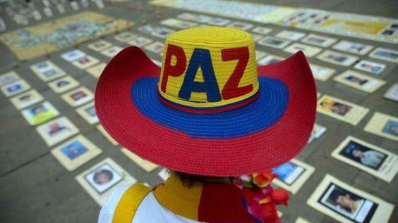 Mujer sombrero Colombia