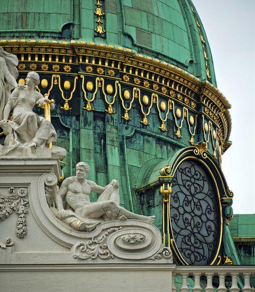 Wiener Hofburg, Vienna -- Austria.  Pic by Robert Schüller on Flickr.