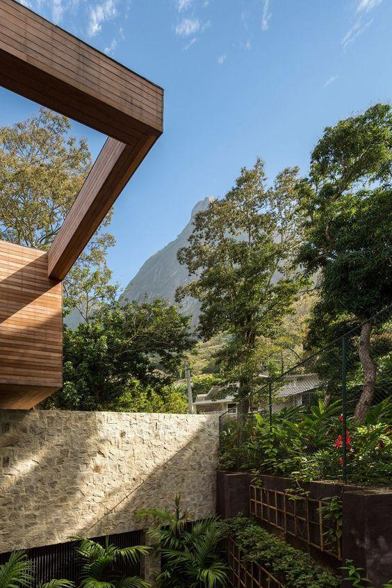 AL House In Praia de São Conrado | Rio de Janeiro, Brazil by Studio Arthur Casas