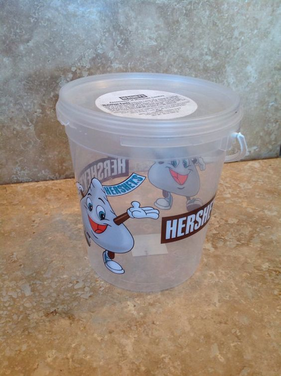 Hersheys plastic bucket with lid by tdccollections on Etsy