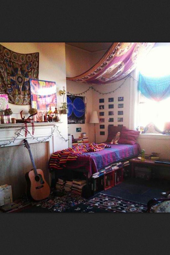 Decorating Ideas > Love The Curtain Draping On The Ceiling, Gives A Moroccan  ~ 123645_Dorm Room Curtain Ideas