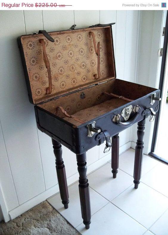 25 OFF SALE Vintage Samsonhyde Suitcase Table by MrsRekamepip ...