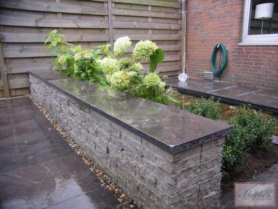 Stapelmuurtje van oude stoeptegels met zitrand tuin pinterest met - Hoe om een e b e bpergola te bedekken ...