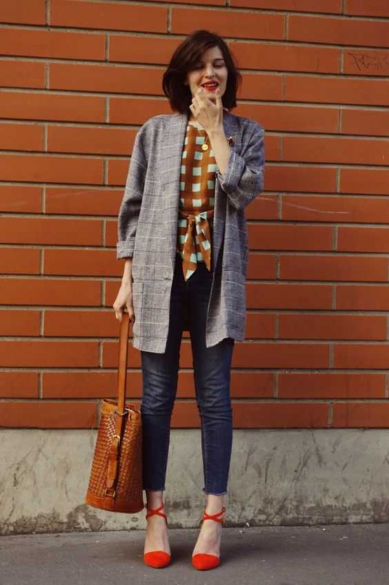Heading a bit Vintage, maybe some ankle boots and a more traditional trench but i like it!: