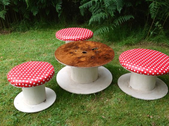 Table and stools made from cable reels