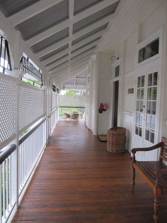 Typical queenslander veranda lattice panels for privacy for Queenslander home designs australia