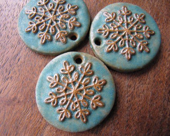 Earthy Little Snowflake pendant in Turquoise.