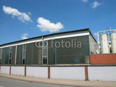 Fabrikgebäude mit Silos auf dem Werksgelände  in Schloß Holte-Stukenbrock im Kreis Gütersloh in Ostwestfalen
