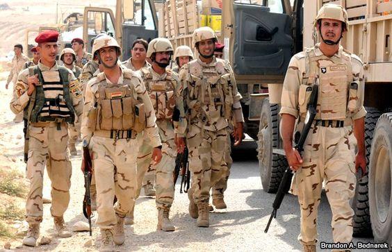 Fuerza iraquíes avanzan hacia Tikrit - http://ow.ly/KaDHA