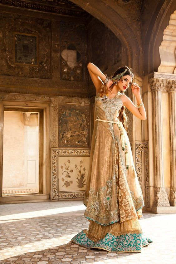 Elaborate Traditional Outfit by Saadia Mirza http://www.saadiamirza.com/ #Lahore #Pakistan
