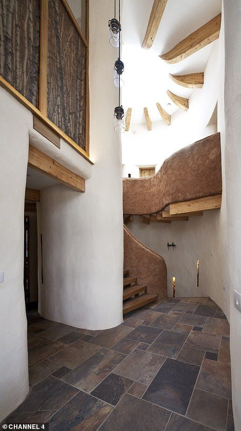 Grand Design S Return To Cob House That Broke Up Family Best Ever Cob House House Layouts House