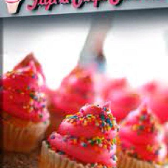 Love me some GiGis cupcakes :)