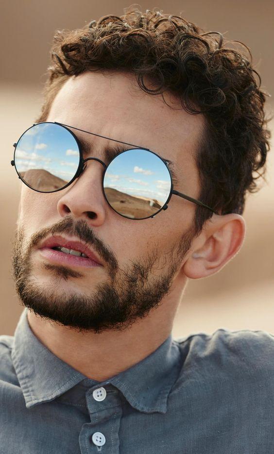Óculos espelhado Masculino (foto: Pinterest/Reprodução)