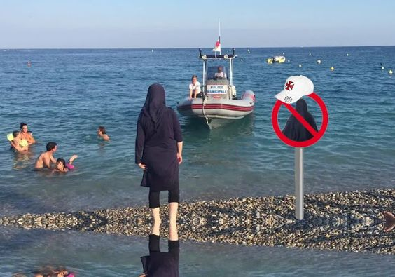 STOP-ISLAMISATION. Nice : une patrouille de la police municipale demande à une…