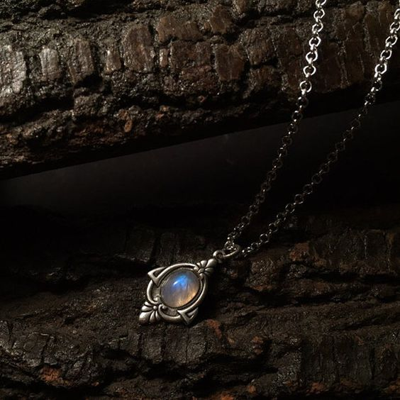Aria Antique Silver Moonstone Necklace Silver by OnlySonum