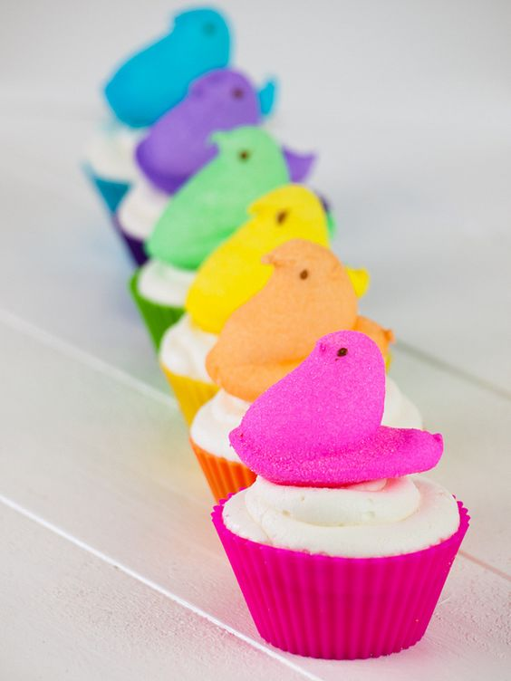 Ahhh - this is so cute! Very Bright Peeps Cupcakes With Matching Liners
