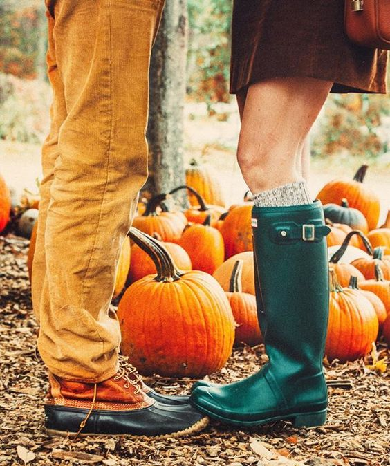 Your Seasonal Love Horoscope For The Month Of Fall
